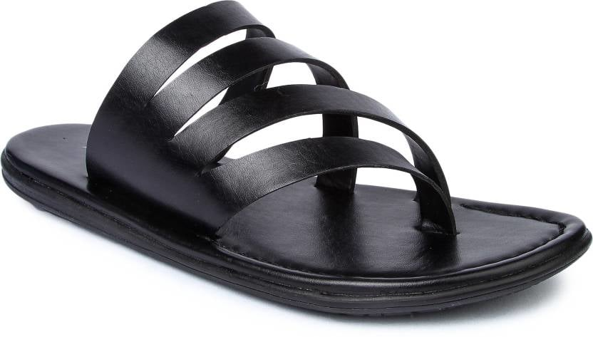 Beat the heat in this summer with these pair of sandals by Lsquad. Perfect design for summers these sandals will give you the comfort of shoes and flexibility to wear everywhere.  Just rupees 999 #sandals #lifestyle #MensSandals  Click here to purchase : http://bit.ly/2kihUzN