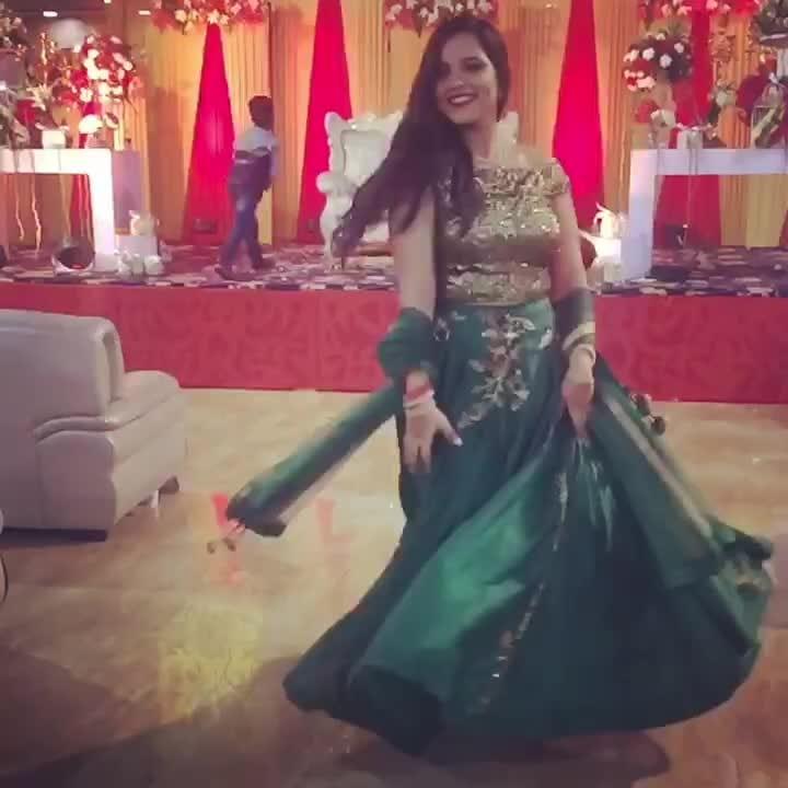 Twirl scenes #herhappyface #weddingscenes #lehenga #green #ootn #tbt