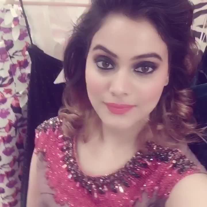 Ready to rock the party ❤💋😘 Beautiful gown by @divarosebysimranaggarwal 💕  Makeup by - @makeupbysucritakukreja ❤  #photooftheday#likesforlikes#blogger#delhiblog#bloggerstyle#simersethi#indian#dress#bloggerstyle#blogging#fashion#stylist#stylingtips#ninewest#photooftheday#likesforlikes#kashmiri#delhiblogger#simersethi#blog#fashionista#blogpost #girlboss #bloggerstyle #zara  #fashionista #photooftheday #likesforlikes #popxoblogger #delhi #mumbai #kashmir #makeup #redlips #attitude #makeup #styling #stylist #beauty