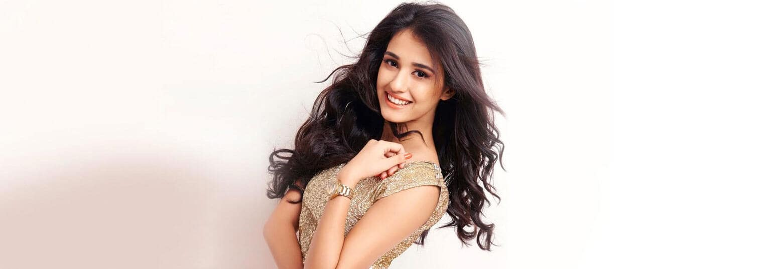 Disha Patani is a force to be reckoned with. Be it her stellar Bollywood debut or her Miss India crown, she's gone from one victory to the next. From stealing our hearts with her mind-blowing dance video to Ed Sheeran's 'Shape of You' to being appointed as Pond's new brand ambassador, there's no looking back for this girl. Lucky for us, we got a chance to chat with the lady of the moment about a few of her beauty tips as well as her journey so far. http://bit.ly/2lyPljB