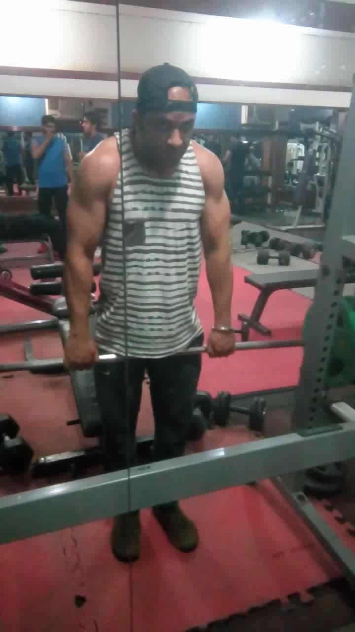 amazing shoulder workout, if you want to transform yourself at home or gym then I can help you my contact no 9873000301 Vikram #fitness