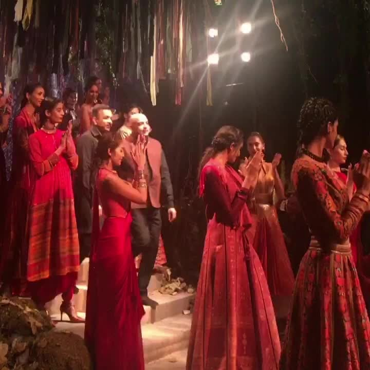 One of the best shows that I've seen by an Indian designer @taruntahiliani @amitaggarwalofficial 👏🏻 . Although my fav still remains @manisharorafashion in 2010 ( One of the first shows I ever attended! )     #delhi #times #makeupblog #beautyblogger #beautyblog #hair #makeup #haircare #coral #loreal #katvond #maybelline #lipstick #eyeshadow #sharara #gharara #salwar-kameez #salwar #pallazopants  #likeforlike #followme #stickers #roposolove #contestalert #giveaway #giveawayindia #giveawaycontest #delhi #delhigirl #girls #beautiful #beautifulthings #beautifulmoments #beautifulskin #skincare #skincareroutine #biotique #clinique #cliniqueindia #nivea #niveaaftershavebalm #likeback #lehenga #bridallehenga #sabyasachi #stickers #roposostickers #roposoinfluencer #roposofashionblogger #roposocontest #eyebrows #sabyasachi #sabyasachilehenga #hudabeautylashes #hudabeauty #hudabeautyliquidlipstick #hot #sexy #desigirl #outfitpost #outfitideas #designerlehenga #designersuit #makeupartist #makeuptitorial #simratmarwah #taruntahiliani #amitaggarwal #manisharora #indiancouture #bridallehenga #bridalgown #gowns #dhoti #dhotipants  #tvcelebs