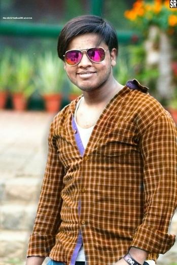 #chashma To Hum #shokh Ke Liye #Pehente Hai #Varna Kisiko #Patane ke Liye Meri #aankhon Ke #Ishare He Kafi Hai.. #roposoaddict #photoshoot #followmefollowyou #followforfollowers #ootd  #mood #picoftheday #bollywood #summer-style #springsummer #roposolove #fashion #dress #model #modellife #modelshoot #cool #trendy #delhi  #indian #soroposo #photography #loveyourself #roposome