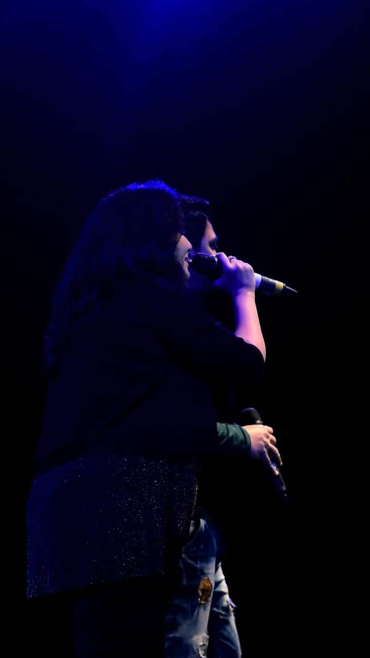 @priyaasaraiyaa 💖 #bollywood #singer #live