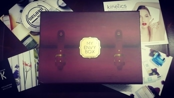 I was definitely #impressed by the #April2017 #MyEnvyBox.🎁 It had everything 💁 #skincare, #bodycare and more importantly #Makeup 💅💄Some products felt quite #premium and #luxurious. So my overall reaction was a big grin😆😆Watch the complete #unboxingandreview video 😍🤗 #beautytips