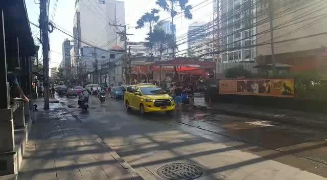 Songkran Celebration going on near MBK Bangkok  #thailand #thai #thaifestival #songkran #celebrate #songkranday #songkran2017 #Thailand #thailandfestival #foodie #enjoylife #thainess #roposoblogger #summerfashion #photoshoot #aboutlastnight #ropo-love #blogger #followme #menonroposo #indianblogger #beauty #swag #roposolove #loveyourself #soroposo #streetstyle