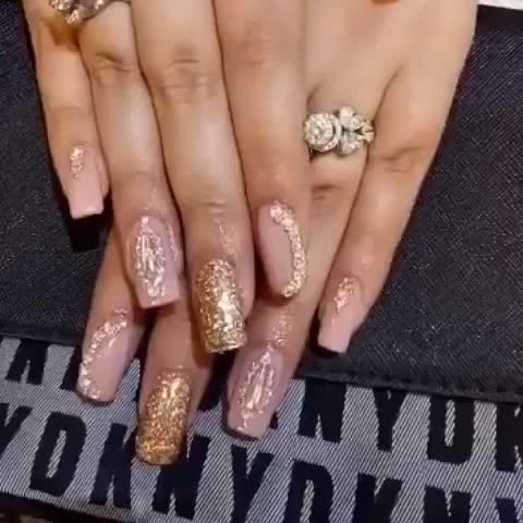 Wedding nails💅🏻💅🏻 #claw #nailsalon #delhi (Greater kailash1,amar colony, shahpurjat) #mumbai (Linking Road,Bandra) #merrut #happyclient #happyus #nailfashion #nailie #getclawed💅 For appointments in Delhi call on 9811197099 , 9278375598 ,  9871798965 , 011-41038464 WEBSITE : www.claw-nails.com