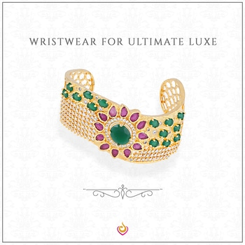 Pair a delicate bracelet with any outfit for a simplistic style.  #Jewlot #jewellery #earrings #bangles #maangtikka #nosepin #americandiamond #kundan #ethnic #necklace #pendant #bridalwear #indianwear #workwear #minimal #fashion #bling #India