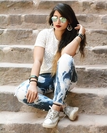 Indie western ❤️ #white #indowestern #indowesternlook #love #jeans #earrings #jhumkies #shoes #swag #sunglasses #awesome #styling #unique #darklips #maroonlips #maroonlipstick #cutelook #longhair #messyhair
