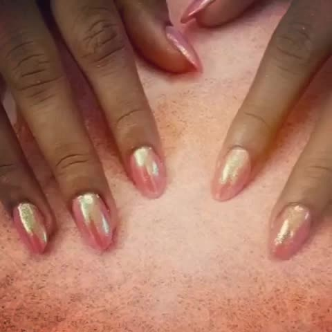Double shaded magnetic Chrome ..first time in India @claw  specially for our beautiful clients offer on (magnetic double shaded chrome for Rs 999/-) #getclawed💅💅
