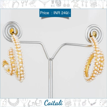 Indo Western Earrings #price : INR 249/- #shopnow : https://goo.gl/5qIYui #whatsapp : 7574005500  #unique #swirl #designer #earrings #pearl #gold #plated #goldplated #fashion #wedding #indian #western #indowestern #collection #caitali #online #shopping #roposolove #roposoblog #soroposoblogger #roposoearrings #roposofashion #roposobeauty #roposotrend #roposoindia #roposojewellery
