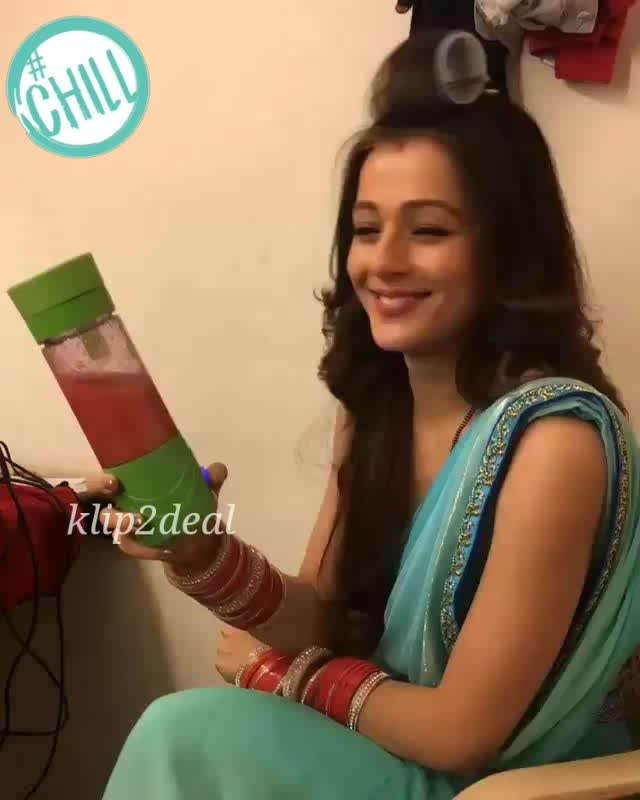 "#thankyou #so #much for amazing video @priyalgor2 loved it 😍😍😍😍😍😍😍😘😘😘😘 ··· "" Thank you so much for this rechargeable blender! Guys please follow @klip2deal for more amazing products 😊 "" #chill"