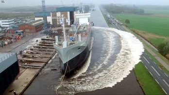 5 AMAZING Ship Launch Videos @lsstests #roposolive