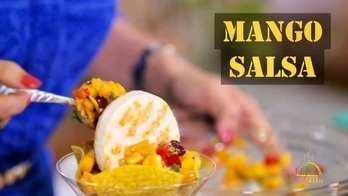 On this #WorldDanceDay I am getting the Famous Salsa Dance into my world. & I wish you bring this Fresh Mango Salsa into your world... Have a spicy, refreshing & mouth-watering #MangoSalsa day. 💋💋💋 Love M. #ChefMeghna #MeghnasFoodMagic #VegetarianStarter #Food #foodiesofindia