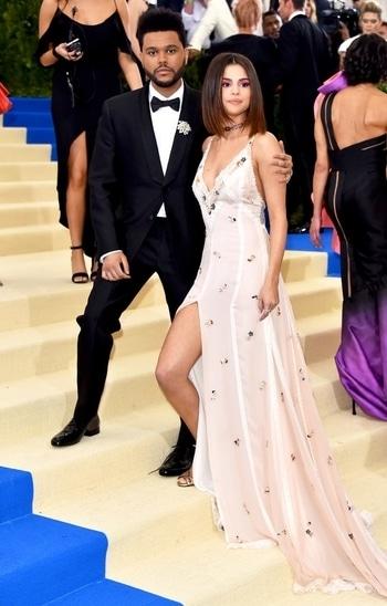 "The Weeknd and Selena Gomez attend ""Rei Kawakubo/Comme des Garcons: Art Of The In-Between"" Costume Institute Gala at Metropolitan Museum of Art in 2017. #metgala #metgala2017 #international #selenagomez"