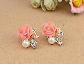 Rose Flower Rhinestone Simulated Pearl Earrings (Pink) MRP : Rs. 250/- Product Code: E2200 http://www.bouteeko.com/productdetail/rose-flower-rhinestone-simulated-pearl-earrings-pink