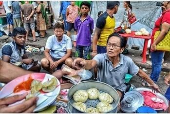 Picture from morning Chinese food market at tirreti bazar Kolkata photo by @debmalya_das_framer