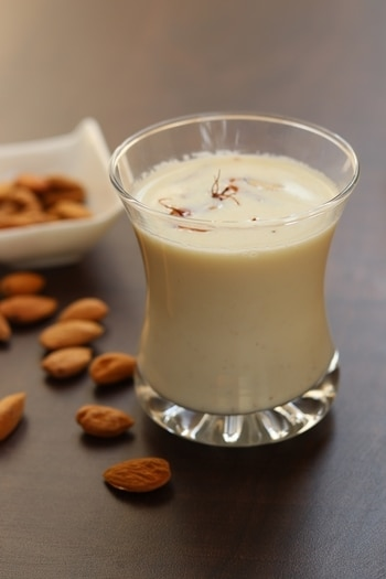 Almond milk (Badam ka doodh) The healthiest drink in summers  Consume chilled and get refreshed :) :) See recipe at https://goo.gl/Wau5nR   #youtuber #youtubeindia #healthykadai #healthyday #healthydrink #almonds