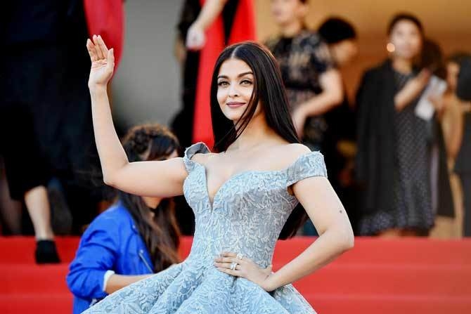 In her sixteenth year at Cannes Film Festival 2017, Aishwarya Rai (Bachchan) has done everything, and I mean, everything right this year!  Read Full Post Here - http://buff.ly/2rPoEWh   #beauty #beautyblog #beautyblogger #lifestyle #lifestyleblogger #lifestyleblog #cannes2017 #cannesfilmfestival #cannes #fashionblog #fashionblogger