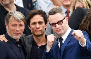 Mads Mikkelsen, Gael Garcia Bernal and director Nicolas Winding Refn at the photocall.  #cannes #cannes2017 #international #photocall