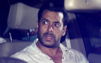 Guess Who Dared To SLAP Salman Khan After Tubelight Trailer Launch? . . http://www.spotboye.com/bollywood/news/guess-who-dared-to-slap-salman-khan-after-tubelight-trailer-launch-/5927d86747447ae21544f2e2 . . #tubelight #tubelighttrailer #tubelightteaser #sohailkhan #kabirkhan #bollywood #tubelightmovie #salmankhan #salmankhan #salmankhantubelight #tubelighttrailerlauch