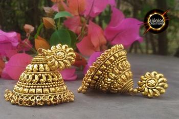 #jewelry #weddings #indianwedings #indianbride #weddingideas #jewellery #weddinggoals #instagood #weddingphotography #weddingbuzz #photooftheday #womeninphotography #portrait #indianjewelry #portraitphotography #portraitphotographer #portraitpage #jewelsforlife #gold #golden #makeupgoals #glowingbride #happiness #bridalgoals #bridalinspiration #southindianbride #love #lush #pretty #dancelife #wedding #sangeet #desivibes #summerweddings #weddingdecor #danceshoot #photoshoot #videoshoot #collab #youtube #lehenga #studioelan #pakistanibride #vancouvermua #prommakeup #vancouver #sikhwedding #vancouverblogger #vancouvermakeupartist #bridalhair #bridalmakeup #promhair #indianfashion #maccosmestics #hudabeauty #dressyourface #indian_wedding_inspiration #indianweddingbuzz #bollywoodfashionista #morphebrushes #asianbride