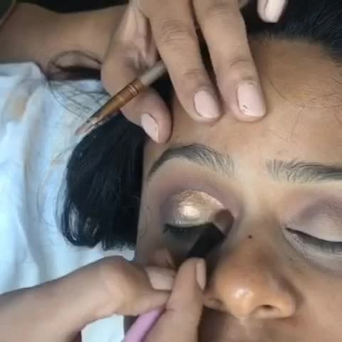 YES OR NO ! Please COMMENT BELOW 👇🏻 Quick video to a complete bridal Makeover!! Please let us know if you like these so that we can start processing more! #indianbrides #indianbride #makeoverbymanleen #bridalmakeupartist #lovewhatido #tygod 🙏🏻🙏🏻❤️
