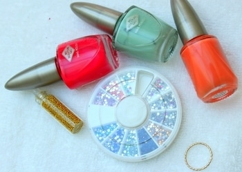 Come summer and time to up your manicure! Here's an easy nail art tutorial meant for beginners like me.  Today, we're going to learn how to try multi-colored nails and add studs too.   Read Full Post Here- http://buff.ly/2qrAaqy 3beautyblogger #lifestyle  #beauty #beautyblog #lifestyleblogger #swissblog #swissblogger #roposo #roposofollow #nailart #nail #nailpolish #summer #diy #follow