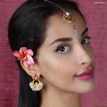 """""""Anumati"""" earrings-crescent shaped hoops crafted in gold plated sterling silver embellished with fuchsia crystal and freshwater white pearls. 👉🏼www.revere.co.in #revere #model #anklet #springsummer #silver #designer #feet #jewellerydesigner #white #dress #jewellery #style #beauty #fashionblogger #photoshoot #cool #happy #fashion #model #trendalert #celebrity #celebrityfashion #celebritystyle #roposoaddict #partystarter #photoshoot"""