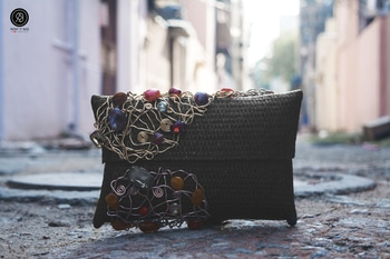 Perfect clutch for that formal/ethnic dress!  #rentitbae #rib #clutch #accessories #bags #fashion #womensfashion #womenswear #renting #india #couture #glamup #womenstyle #fashionstyle #glam #colorblock #summers #indianfashion #style #styling #colors #love #magic #indiaphotoproject #fashionstylist
