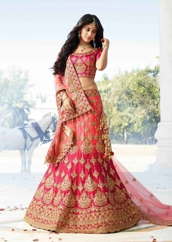 MAGENTA & PEACH SHADED SATIN HEAVY ZARI BRIDAL LENGHA CHOLI https://www.gravity-fashion.com/magenta-peach-shaded-satin-heavy-zari-bridal-lengha-choli-d17008.html