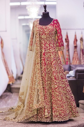 Designer red  color silk crafted dori and embroidery work Salwarsuit and dupatta from anjani creation _  Code - 003-red febric - bangalori silk  work - Embroidery  size - free upto 42 flair - 2.8 mtr dupatta - net  work on dupatta - embroidery lace border  sleeve - as require lahenga  height - max - 42 shipping - 150/in India international shipping - 1400INR    Rate - 1999/- ( shipping extra )* * = reseller whatsapp on +919099336755 (Direct from wholesaler+Manufacturer ) PAYTM Accepted , No COD . NO price negotiation .  Office Address - C-438 ,New Bomaby Market,Kadodara Road ,Surat - 395010  Factory Address - 3021/22/23/24/25 - New GIDC ,Katargam ,Surat - 395004  #womenapparel #fashion #salwarkameez #trendy #adorablelook #bride #bridesmaids #bridalwear #bridals #bridaldress #wedding #ethnicwear #dresses #peach #netherlands #monaco #clothes #womenclothing #girlish #lahengabazaar #print #shopping #paris #germany #srilanka #colombo #kuwait #uae #arab #london #usafashion #dhaka #abudhabi #designer #outfitoftheday