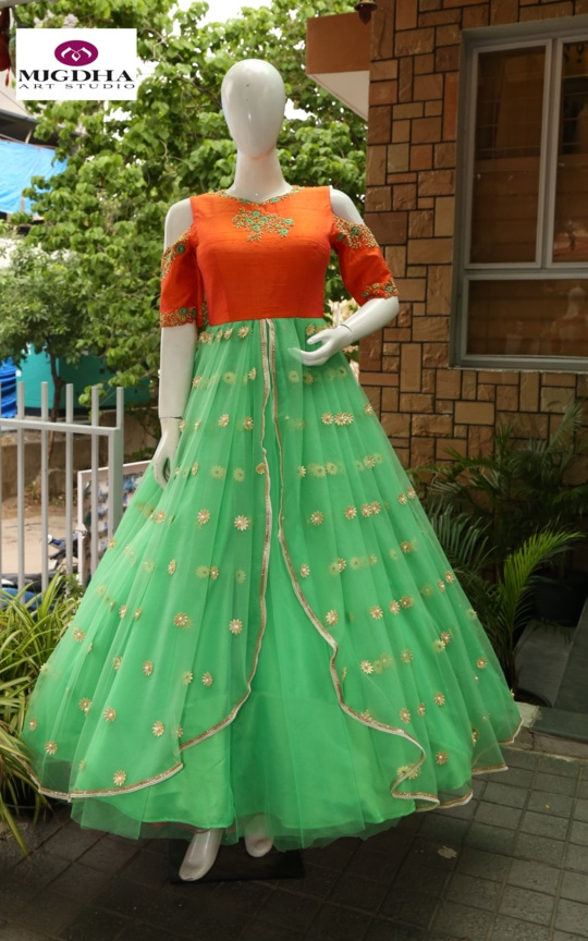 Classy Long Gown with Hand Made Embroidery From the house of Mugdha Art Stuido. we can customize the color and size as per your requirement. Product code : MA-134 To Order with us :  whatsapp +91 8142029190/ 9010906544  For Call: 8899840840 (IVR)     #eid #eidoutfit #eidspecial #eidmubarak #styling #love