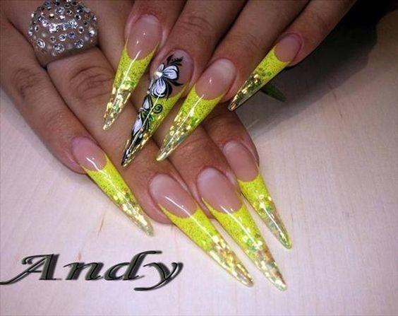 #nailswithrhinestones #nail-designs #nail colour and art #doublecoloured #stelittonails #stilettosstyle