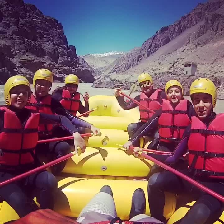 #riverrafting #leh #travel-diaries #friends #family #adventure #roposotravel #fun #roposodutts #umeshdutt #meenakshidutt
