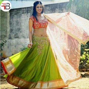 Be an ethnic diva in this Red and Green Embroidered Banglori Silk Lehenga Choli Set.  Shop now at:https://goo.gl/karjiP  #Ethnic #Lehenga #Fashion #fashionista #lehangas #lehengalove #lehengadesigns