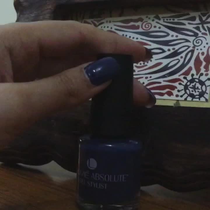 To match that blue my #bluenailpaint #lakmeabsolute #gelnail #gelstylist #lovethecolour #blueroyale #happynails #happygirls #happymakeupartists #indianmakeuparist #globalmakeupartist #delhimakeupartist #mumbaimakeupartist #brandname #nvcmakeup #mua #nivrittichandra #nivrittichandramakeup #blue #blueblue #blueblueblue #royalblue 😀😀😀😀😀