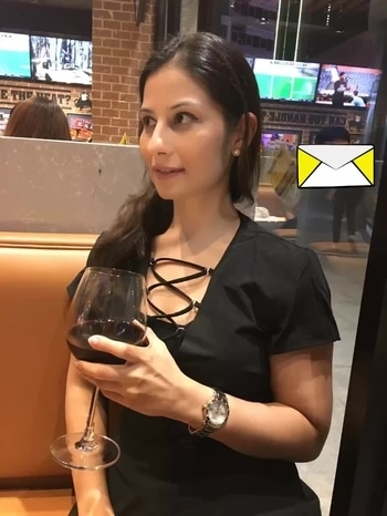 Just give me the WINE and NOBODY gets hurt 😀💋💋💋 Love M. #ChefMeghna #wine #winetasting #winenight #winelovers #winetime #hello