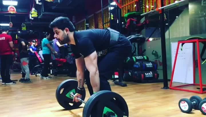 Bent Over ✔ Barbell Row 🏋(back) #motivation  #fitness  #gymlife  #trainmode #eatclear #eveningmood  #gymadiction  #backday  #stayfocused  💪 #workthosewings👼 #menwithbeard  #80Kgs #176.37pounds #punjabimode 🎧 ho muchh khadi sada rakhi ae 👳🏼 #nomorehashtags ♯ #instagrafit #instalike  #instabody #instalove #instagym #followforfollow  #likesforlikes ✌🏻 🎵🎶 #krn ♚