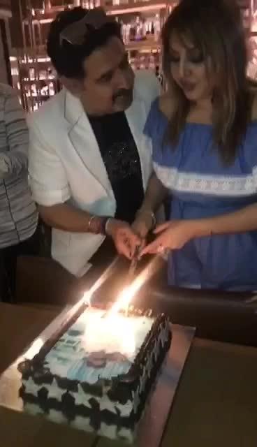 #birthday #cake #fun #umeshdutt #meenakshidutt #picoftheday #🎂🎉😘🥂