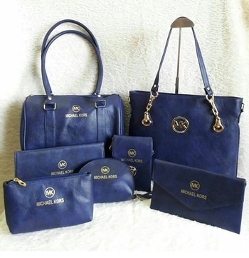 Michael kors  BAGS AVAILABLE IN 5 COLOURS QUALITY NEXT TO ORIGINAL  PRICE - 2200 - ( FREE SHIPPING )  TO BUY DIRECT MESSAGE OR WATSAAP 9999142594 #aroundtheworld #instagram #delhi #chennai #kolkata #mumbai #instagood #instadaily #fashion #girls #girlstyle #glam #branded #candybag #instagramhub #classy #brandedproduct #original #travelling #traveller #american #paris #england #italy #rome #singapore #meridukaan #blogger #ropo-style