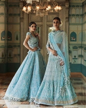I dream of blues...   Tarun Tahiliani's Bridal Couture 2017 collection named #Tarakanna in association with @swarovski @thefdci @shriharidiagems  #icw #indiacoutureweek #taruntahiliani #couture #bridal #fdci