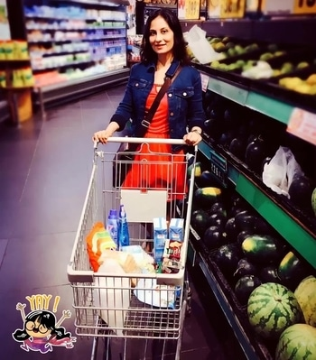 Stocking my kitchen with fruits instead of unhealthy snacks. So then no need to count calories right? 💋💋💋 Love M. #ChefMeghna #fruits #fruitlover #healthygirl #healthy-habits #health #healthyeating #yay