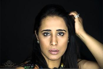 Makeup 💄 done by #thezelenecraze #makeup #makeupartist #mua #muadelhi #muaindia #makeuplove #makeupaddict #makeuplover #makeuplook #postwedshoot #anniversaryshoot #familyphotoshoot #roposo #roposogal #roposomakeup #roposomakeupartist #roposo-makeupandfashiondiaries #roposomakeups #roposomakeupandfashiondiaries #roposomakeuplove