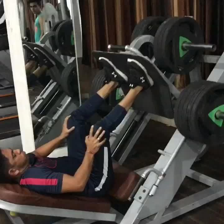 #legworkout #200kgs #workoutmotivation #lifestyle #underarmour #nike