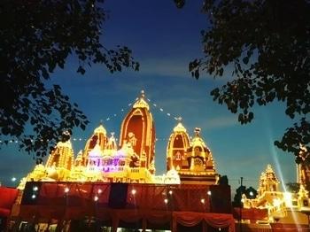Celebrating Janamasthami  . . . #festivalofindia #beautiful temple  #delhi #aboutlastnight