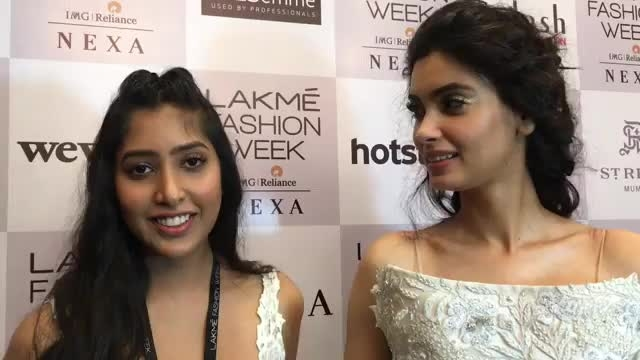 Shriya Som talks about her collection at Lakme Fashion Week 2017 with Diana Penty who was ofcourse the gorgeous showstopper 😊😊 #lakmefashionweek2017 #lakmefashionweek #dianapenty #shriyasom #fashionshow  #fashionshows