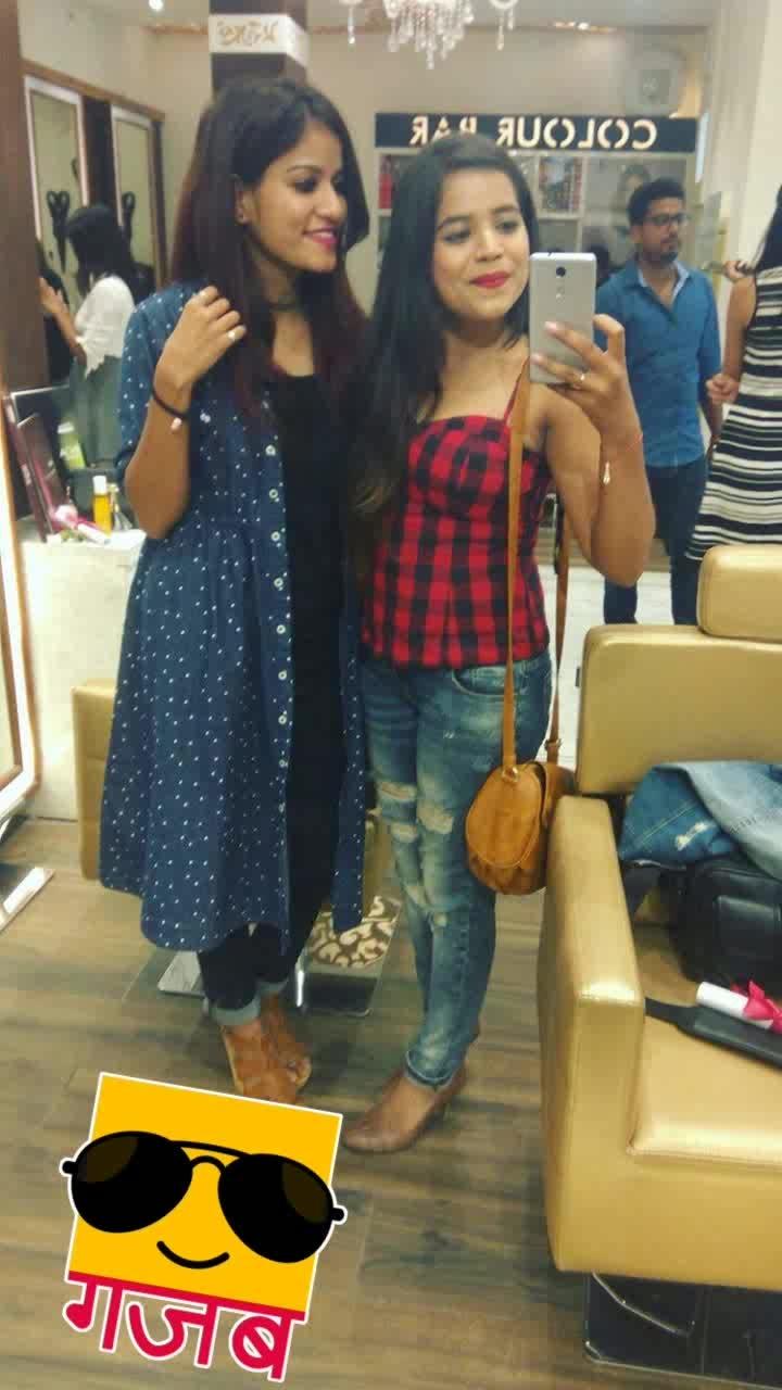 Bloggers meet . . . #fashion #be-fashionable #fashionblogger #fashionista #fashionistagrammer #fashionblogger #beautyblogger #lucknowblogger #indianblogger #asiablogger #lifestyleblogger #allindiablogger #makeover #newlook #lookoftheday #bloggersmeetup