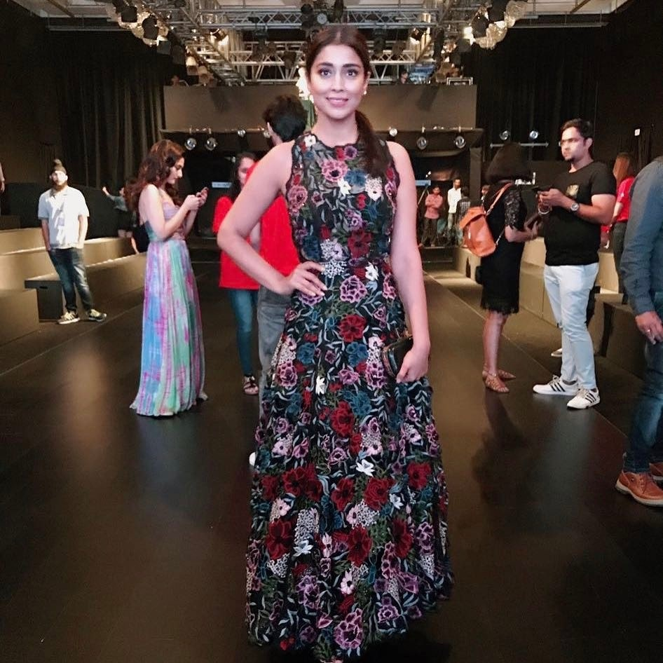 Actress Shriya Saran attended Shriya Som's show at LFW2017 wearing her 2017 winter festive outfit. #celebstyle #celebspotted #lfw2017 #ShriyaSaran #ShriyaSom