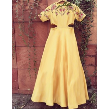 Made to order custom design outfit Yellow dress CODE : PT 271 Fabric: French crepe Work : Zari+ thread work+ sequins Price : Rs. 4999 #youdesign#zariwork#threadwork#sequinswork#crepe#shopping#shop#shopnow#stylish#photooftheday#instagood#instafashion#girlswear#glamour#fashionable#beautiful#buyonline#buy#instalove#fabulous#trending#instalike#mumbaigram#indianfashion#indianstreetfashion#yellowdress